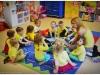 Słoneczne Przedszkolaki cieszą się z promyków słońca - PRZEDSZKOLE SZAMOTUŁY
